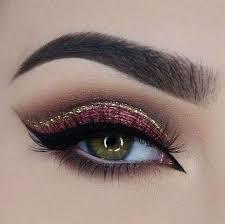 Trucco rosso per occhi: mini tutorial per conoscere il trend make up 2017!
