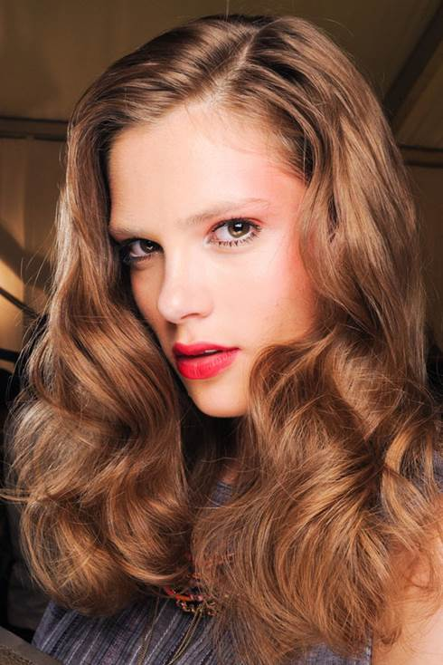 5 Stylish Beauty Looks to Try for Christmas 2
