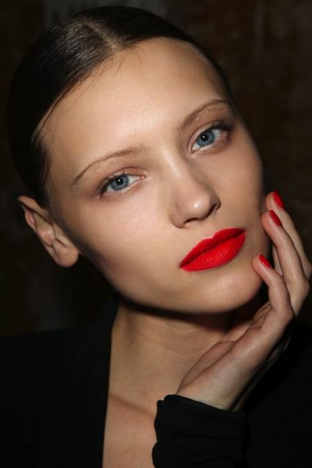 5 Stylish Beauty Looks to Try for Christmas 4