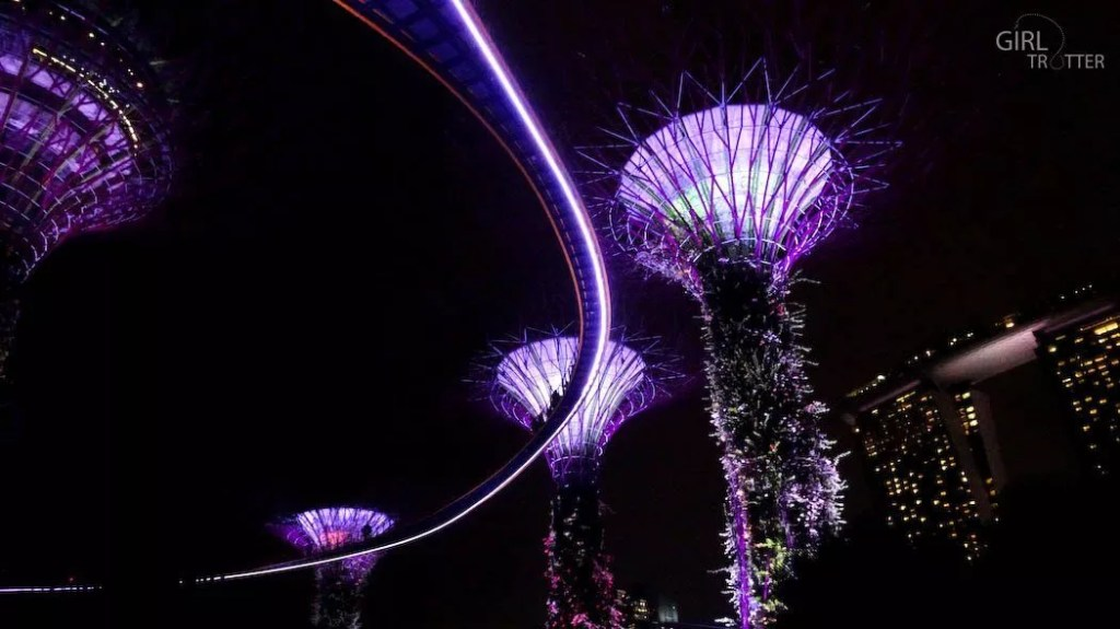 Gardens by the Bay - Supertrees by night - Singapour - Girltrotter