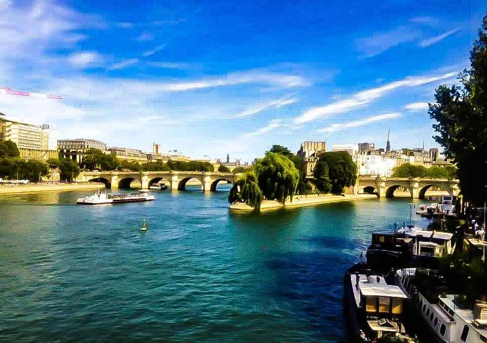 5 Things to do When Traveling to Paris Alone or How to Conquer Solo Female Travel in Paris