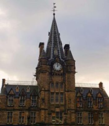 See what I mean? The University of Edinburgh is a heinous beast of a place. No clue why anyone would EVER want to visit. Joking btw because it's absolutely gorgeous and well worth a visit. Also, a great free attraction if you're backpacking Edinburgh, even though you can't go inside.
