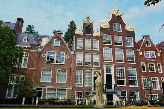 Loved exploring the Begijnhof hofje in Amsterdam.