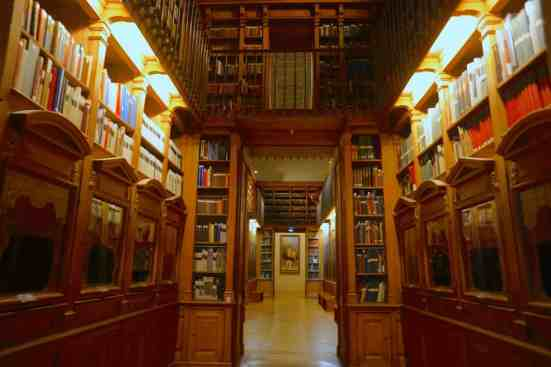 Not surprisingly, I am absolutely obsessed with the Palais Garnier Library.
