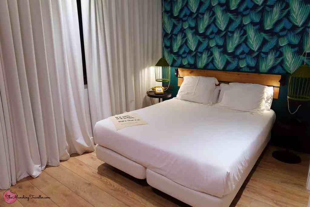 Not sure where to stay in Barcelona? Then check out the comfy rooms at the Chic and Basic Lemon Boutique Hotel.