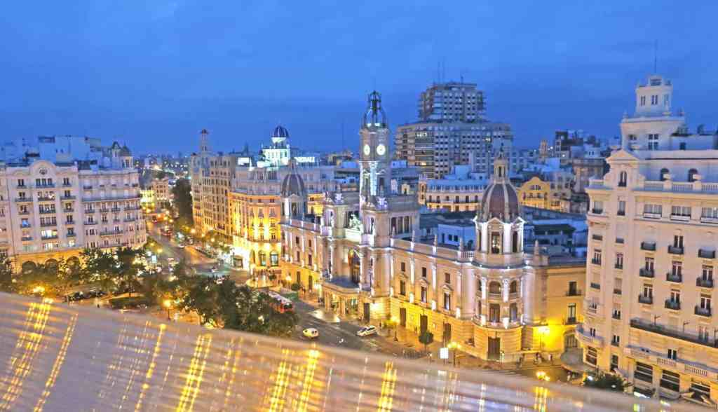 The beautiful view of Valencia's City Hall from Ateneo Sky Bar Restaurant.