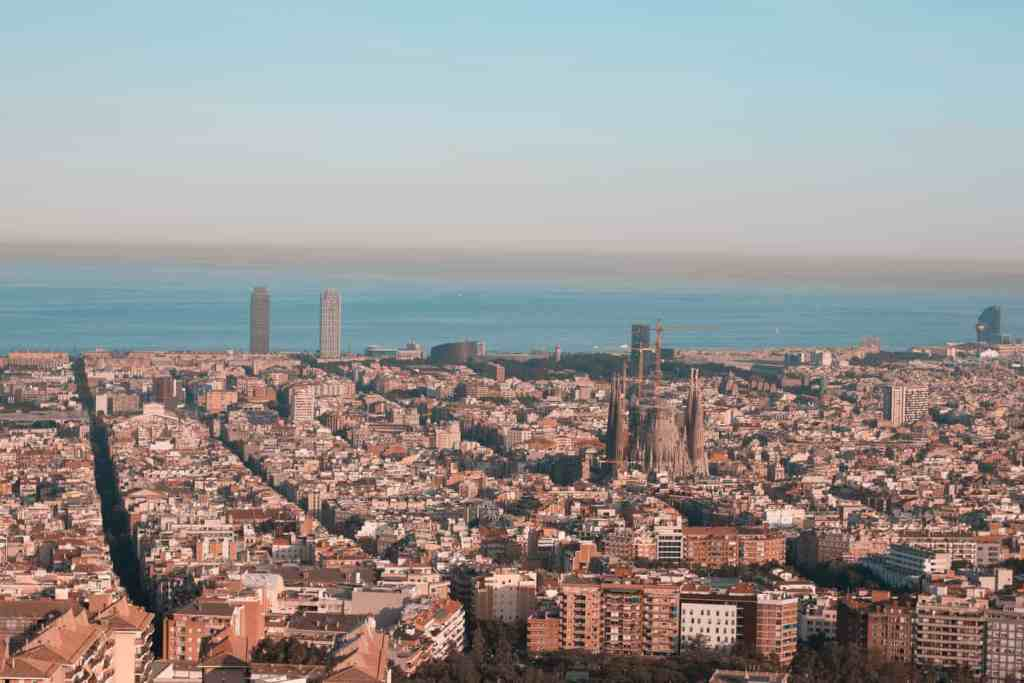 The stunning view of Barcelona from Bunkers del Carmel.