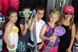 Nashville-Diva-Dance-Party-Girls-Having-Fun