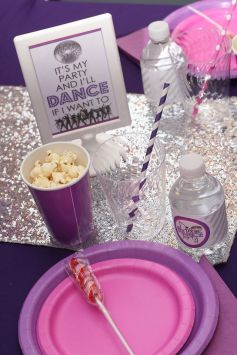 Diva Dance Birthday Party Table Setting