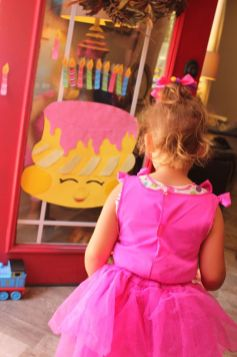 Shopkins Pin the Candle on the Cake