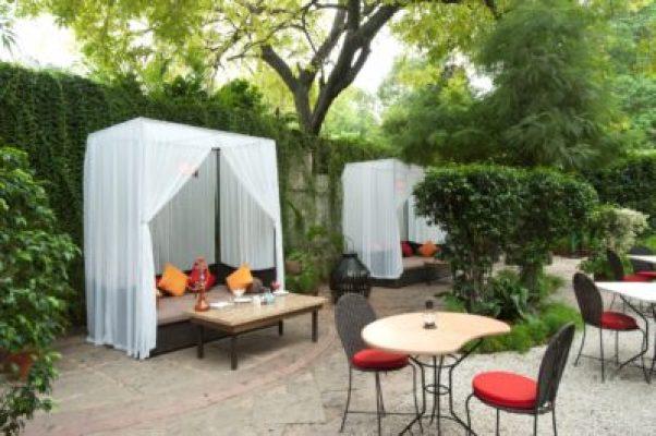Best romantic place for couple Lodhi Garden Restaurant