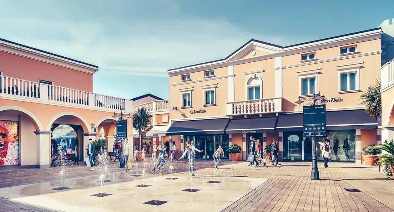 Palmanova Outlet Village: avvio dei saldi,iniziano a tornare gli stranieri
