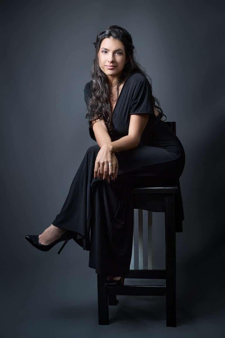 Directora Giselle Lominchar