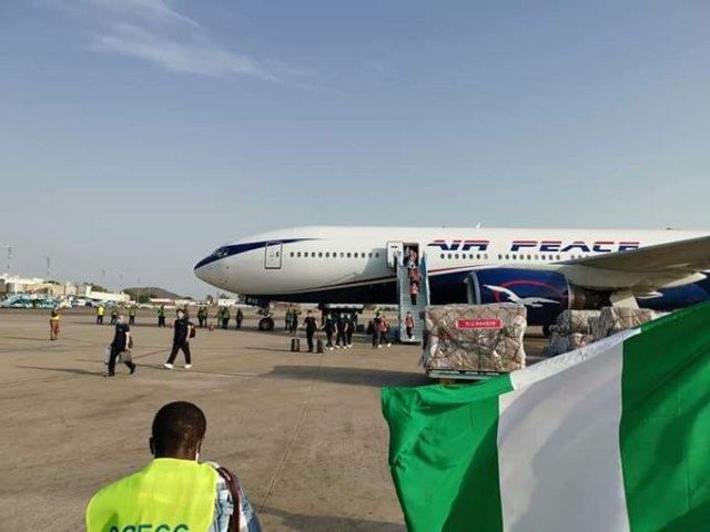 chinese-doctors-arrive-lagos