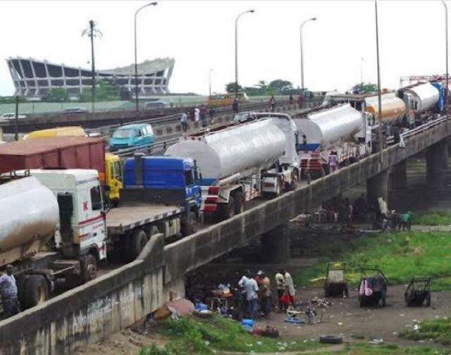 Less Than 24 Hours after President Buhari's Visit to Lagos, Petrol Tankers Floods Eko Bridge