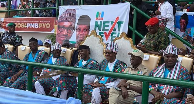 Tinubu Covers Face In Shame, As Lagosians Chase Out Buhari, Shout Ole!!! Ole!!! Ole!!! [Video]