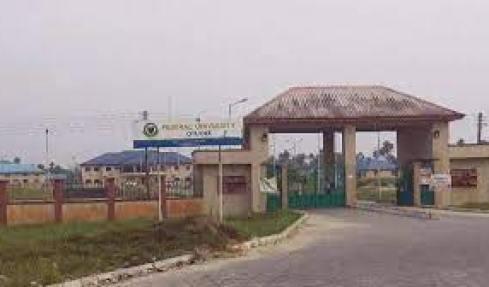 Nigerian University Compels Students To Wear Uniforms