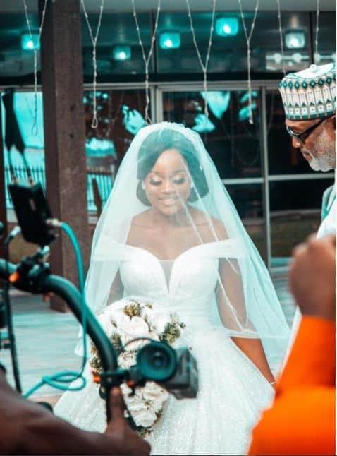 Cee-c walks to the altar on a wedding gown (Photos)