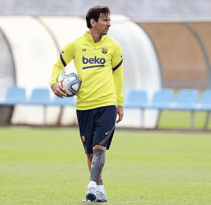 Lionel Messi flaunts his new look after shaving his beard