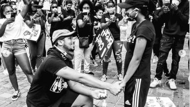 #BlackLivesMatter: Man proposes to girlfriend during protest