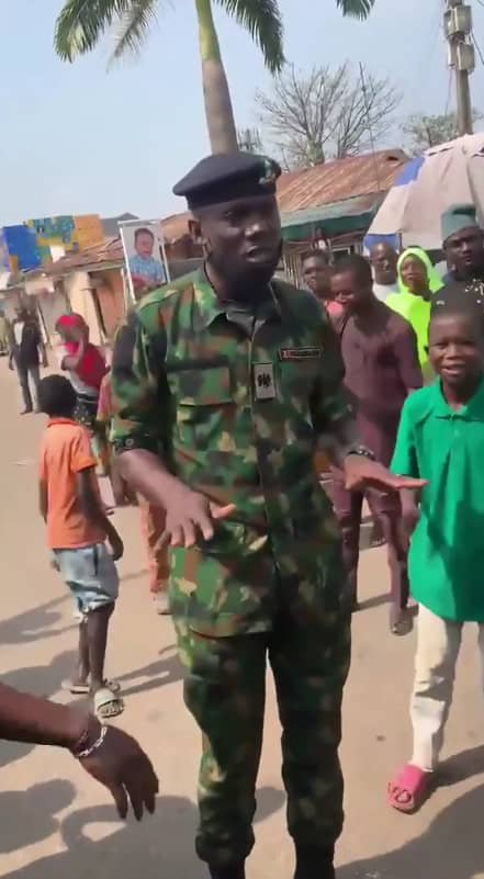 Youths hail soldier who advised them