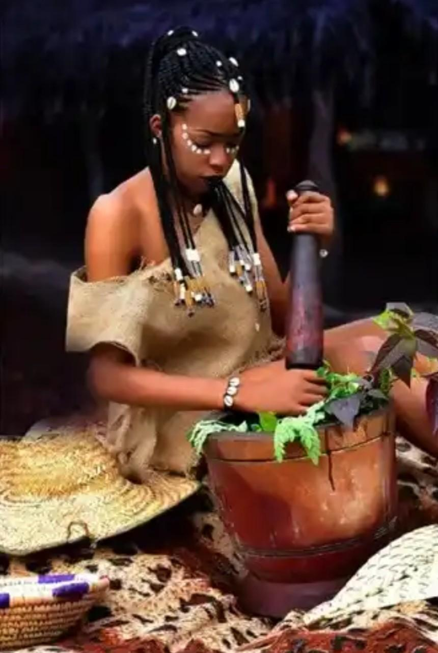 Female Nigerian graduate dumps her certificate to become an herbalist (Photos) 1