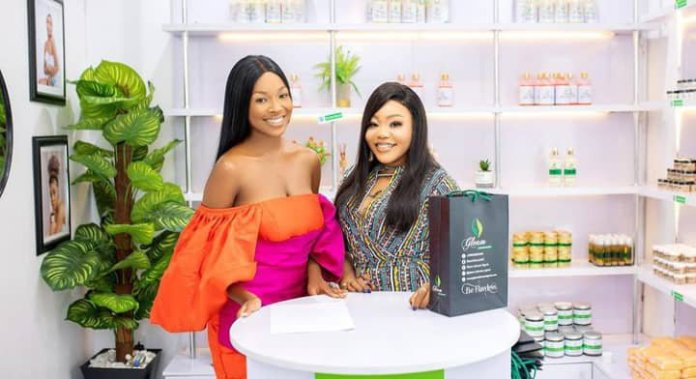 Vee endorsement deal with skincare, Vee mocked for signing endorsement deal with skincare brand after vowing not to represent bleaching products, Premium News24