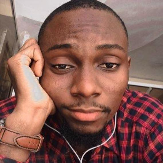 Man shares touching note from online vendor after asking to make his order look like 'gift from a babe'