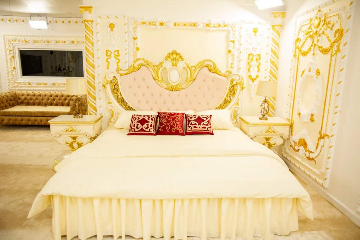 batch 1627150218 33 HoH room 1