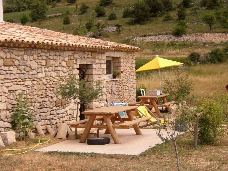 Gîte-l'olivier-avec-piscine-en-Provence terrasse