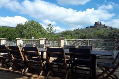 terrasse bois vue chateau