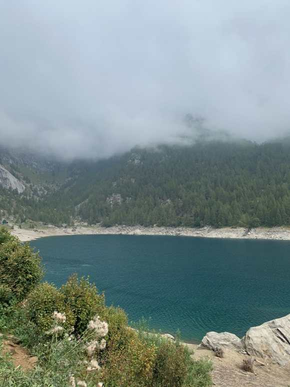 lago artificiale di agaro