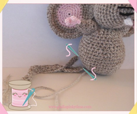 how to fix the tail on the amigurumi mouse's bottom
