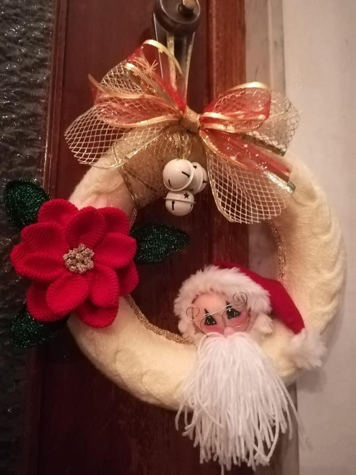 Ghirlanda natalizia svolta da Anna Maria.