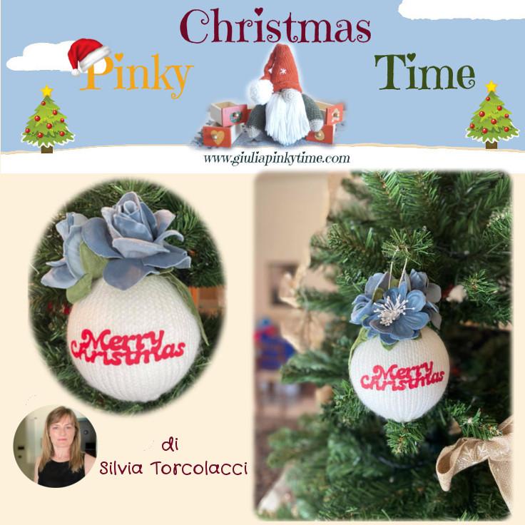 Salva lo schema della pallina natalizia ai ferri su Pinterest