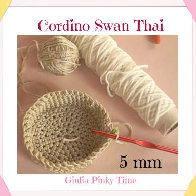 Cestino uncinetto con orecchie con il cordino swan thai