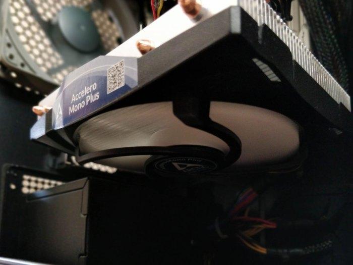 Arctic Accelero Mono PLUS inside a Fractal Design Nano S