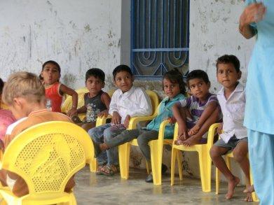 Staatliche Dorfschulen vermitteln nur Grundkenntnisse