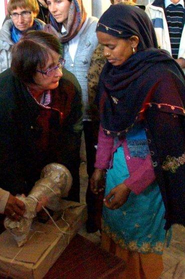 Nähmaschinenspende für bedürftige Frauen
