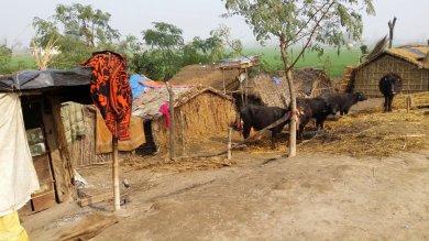 Kanaun, ein Hüttendorf am Sutlejfluss