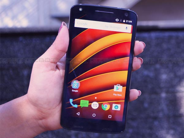 12 1494591440 motorola moto x force 10 tech gift ideas for your Mother this Mother's Day: Smartphones, Wearables and more