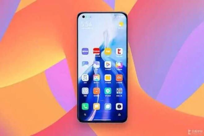 Another render reveals the design of the Xiaomi Mi 11 Pro - Gizchina.com