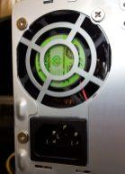 Detalle del ventilador de la fuente de alimentación PC63J