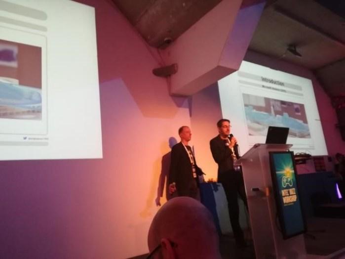 Intel® Buzz Workshop Hololens