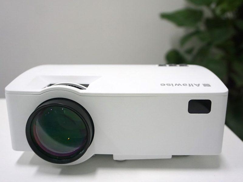 Alfawise A8, un proyector asequible para llevar a todas partes