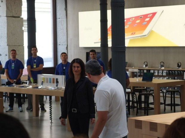 Apple-Store-Puerta-del-Sol-2-_-By-Celia-Valdeolmillos