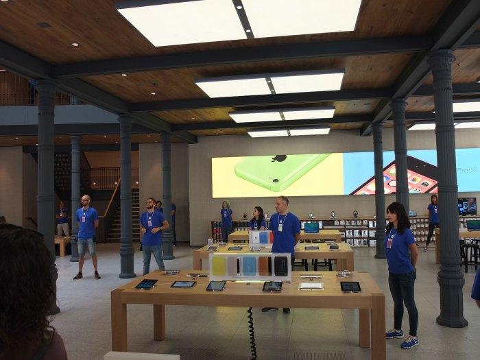 Apple Store Puerta del Sol en fotos