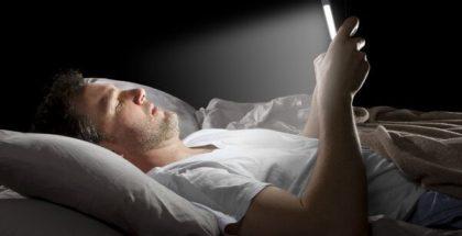 cómo saber si tiene dependencia al móvil