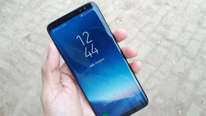 Los móviles con sensor de huellas dactilares debajo de la pantalla llegarán en 2018