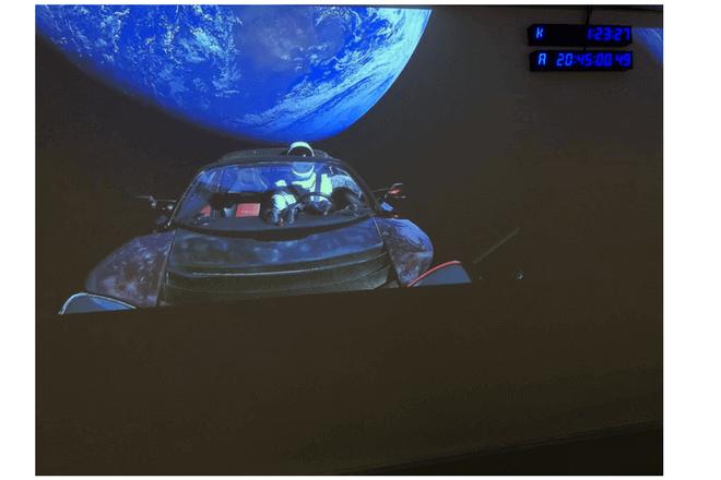 Esta web permite seguir la trayectoria del Tesla Roadster lanzado al espacio